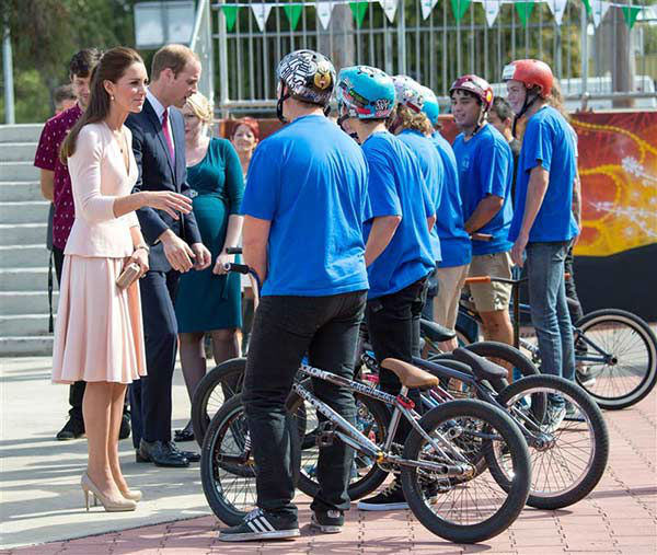 Prince William and Kate Middleton, aka Catherine, Duchess of Cambridge, visit a skate park in Australia on April 23, 2014. <span class=meta>(Rex Features&#47;Startraksphoto.com)</span>