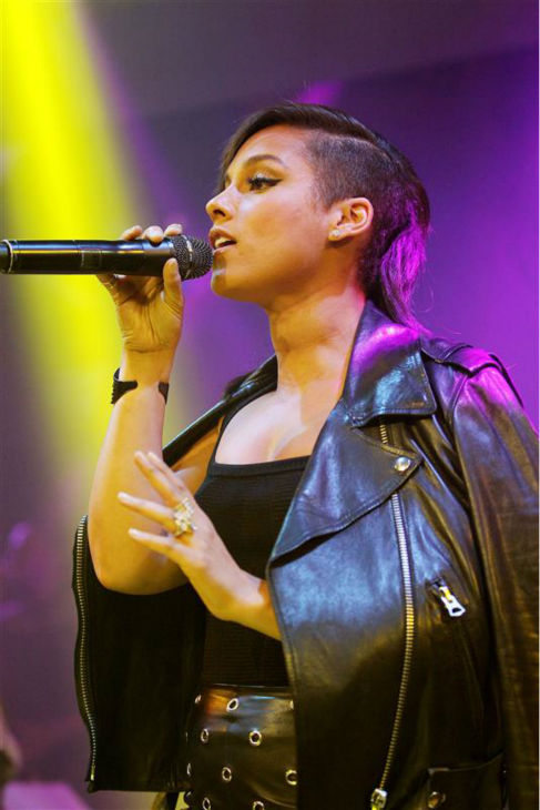 "<div class=""meta ""><span class=""caption-text "">Singer Alicia Keys appears at an after party for the premiere of 'The Amazing Spider-Man 2' in New York on April 24, 2014. Her music is featured on the movie's soundtrack. (Marion Curtis / Startraksphoto.com)</span></div>"