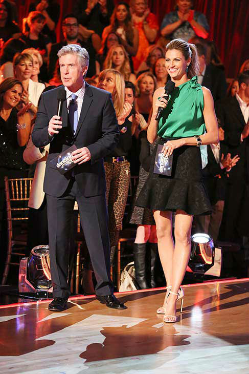 Tom Bergeron and Erin Andrews appear during week nine on &#39;Dancing With The Stars&#39; season 18 on May 12, 2014. <span class=meta>(ABC Photo&#47; Adam Taylor)</span>