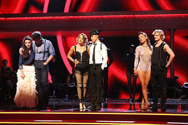 Meryl Davis, Maksim Chmerkovskiy, Amy Purdy, Derek Hough, Charlie White and Sharna Burgess Murgatroyd await their fate on week nine of &#39;Dancing With The Stars&#39; on May 12, 2014.  <span class=meta>(ABC Photo&#47; Adam Taylor)</span>