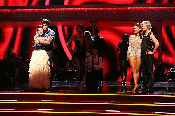 Meryl Davis, Maksim Chmerkovskiy, Charlie White and Sharna Burgess Murgatroyd await their fate on week nine of &#39;Dancing With The Stars&#39; on May 12, 2014.  <span class=meta>(ABC Photo&#47; Adam Taylor)</span>