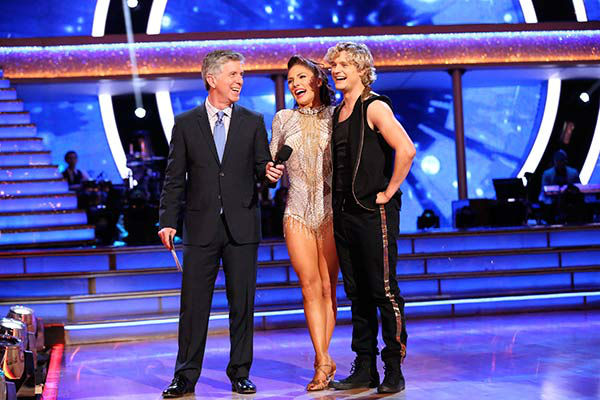 Charlie White and Sharna Burgess danced the Samba on week nine of &#39;Dancing With The Stars&#39; on May 12, 2014. They received 36 out of 40 points from the judges. The pair also received 40 out of 40 points for their Foxtrot. <span class=meta>(ABC Photo&#47; Adam Taylor)</span>