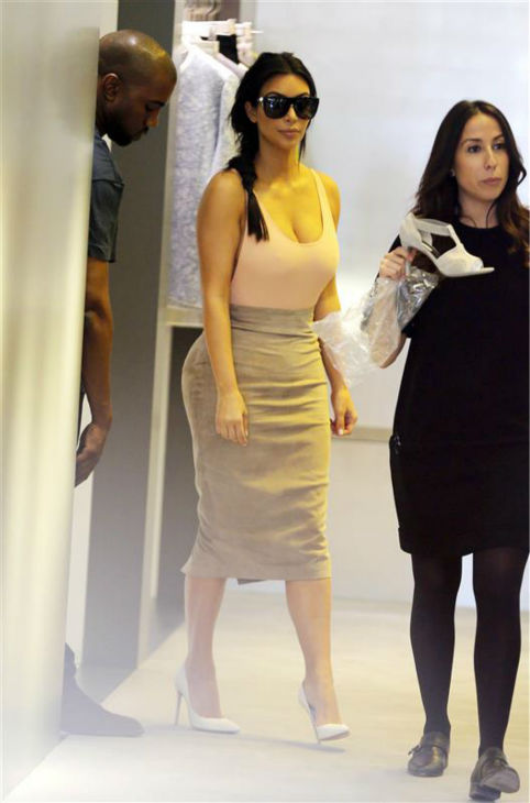 Kim Kardashian is seen shopping in Paris on May 19, 2014. <span class=meta>(Beretta &#47; Sims &#47; REX &#47; Startraksphoto.com)</span>