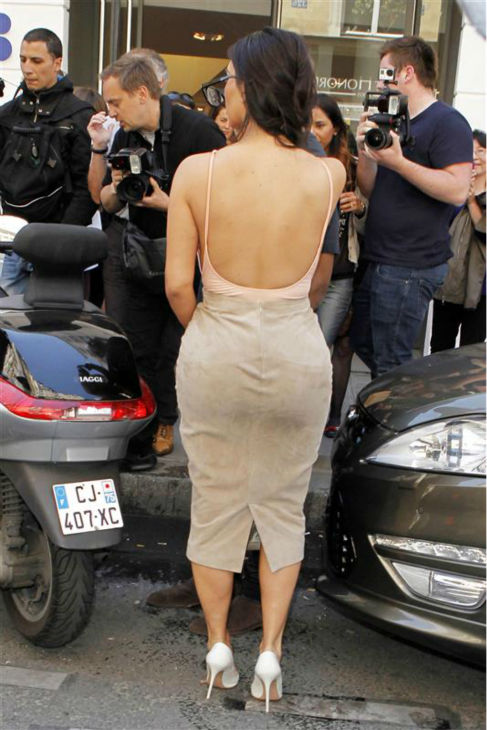 "<div class=""meta ""><span class=""caption-text "">Kim Kardashian is seen shopping in Paris on May 19, 2014. (Beretta / Sims / REX / Startraksphoto.com)</span></div>"