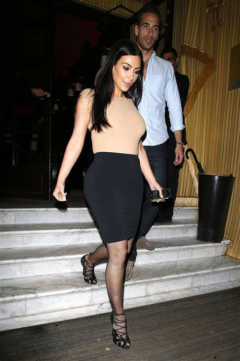 Kim Kardashian appears with Simon Huck at Coast Bar and Restaurant in Paris on May 20, 2014. <span class=meta>(Beretta&#47;Sims&#47;Rex&#47;Startraksphoto.com)</span>