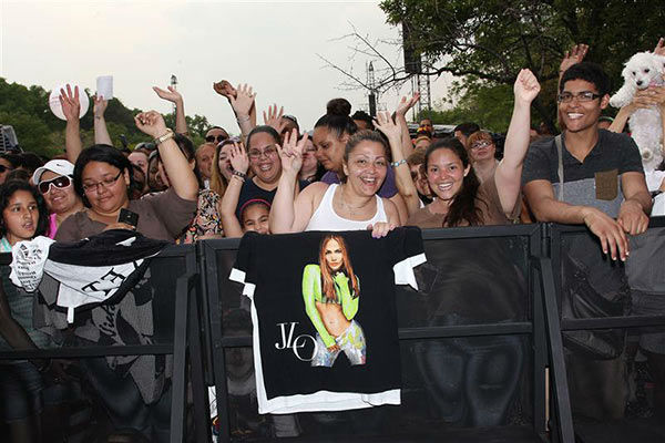 The crowd appears at the free Jennifer Lopez concert at Orchard Beach in Pelham Bay Park in the Bronx, New York on June 4, 2014. <span class=meta>(Kristina Bumphrey&#47;Startraksphoto.com)</span>