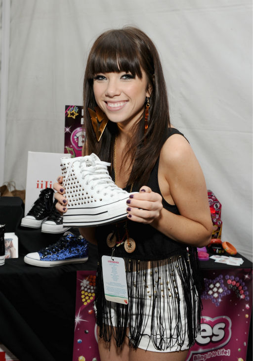 Carly Rae Jepsen appears at Backstage Creations&#39; Celebrity Retreat at the 2012 Teen Choice Awards at the Gibson Amphitheatre in Universal City, California, near Los Angeles on July 22, 2012. <span class=meta>(Angela Weiss &#47; WireImage)</span>