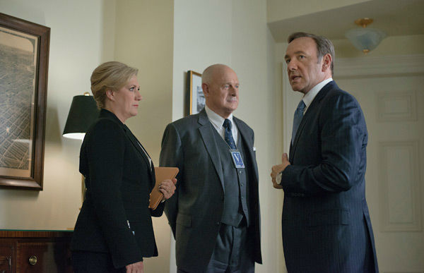 Jayne Atkinson &#40;L&#41;, Gerald McRaney &#40;C&#41; and Kevin Spacey &#40;R&#41; appear in a scene from season 2 of Netflix&#39;s &#39;House of Cards.&#39; <span class=meta>(Nathaniel Bell for Netflix)</span>