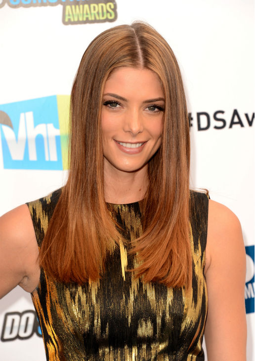"<div class=""meta ""><span class=""caption-text "">'Twilight' actress Ashley Greene arrives at the 2012 Do Something Awards at Barker Hangar on August 19, 2012 in Santa Monica, California. She is wearing a gold and black ikat jacquard Michael Kors Resort 2013 dress and black Giuseppe Zanotti peep-toe heels and is carrying a black-and-gold Roger Vivier 'Boite de Nuit' clutch. (Jason Merritt / Getty Images)</span></div>"