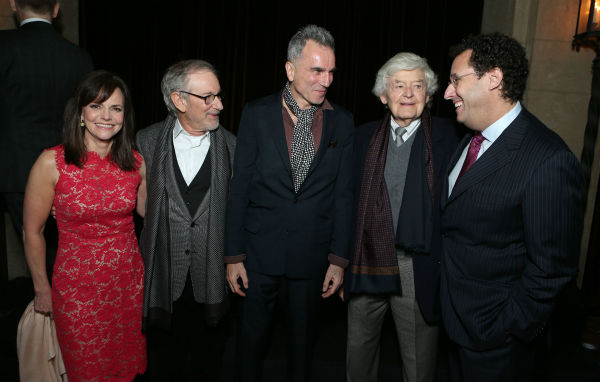 "<div class=""meta ""><span class=""caption-text "">Sally Field, director/producer Steven Spielberg, Daniel Day-Lewis, Hal Holbrook and screenwriter Tony Kushner appear at the world premiere of DreamWorks Pictures 'Lincoln' at AFI Fest 2012, held at Grauman's Chinese Theatre in Hollywood, on Nov. 8, 2012. (Eric Charbonneau / WireImage)</span></div>"