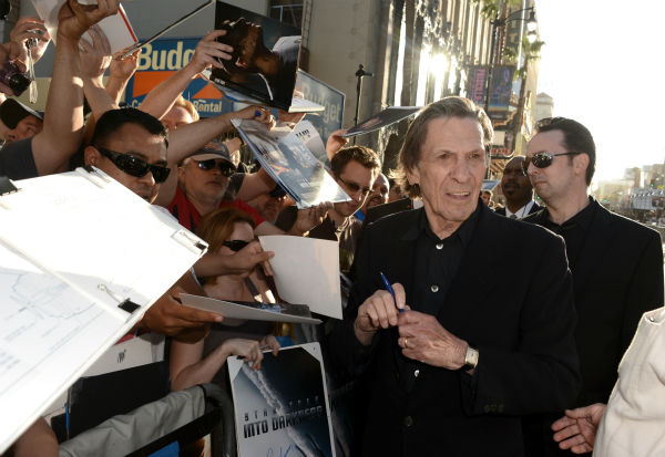 "<div class=""meta ""><span class=""caption-text "">Leonard Nimoy, 82, (original Spock) signs autographs at the premiere of Paramount Pictures' 'Star Trek Into Darkness' at the Dolby Theatre in Hollywood, California on May 14, 2013.  (Kevin Winter / Getty Images for Paramount Pictures)</span></div>"
