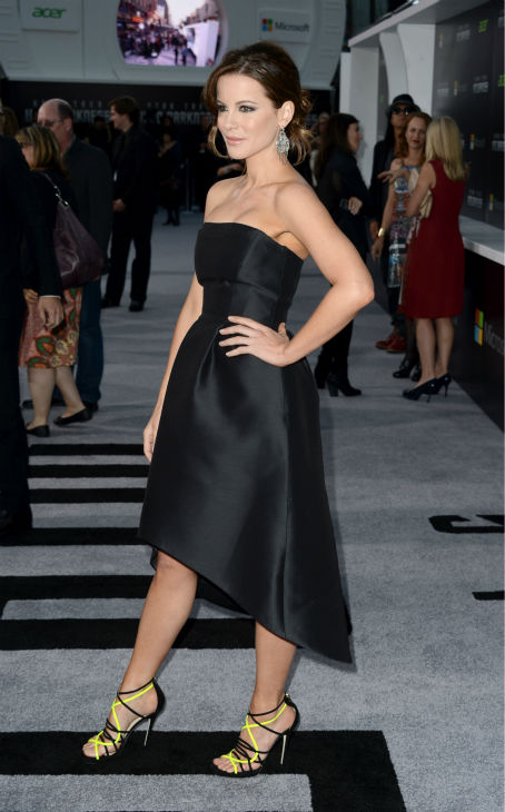 "<div class=""meta ""><span class=""caption-text "">Kate Beckinsale (celebrity guest) attends the premiere of Paramount Pictures' 'Star Trek Into Darkness' at the Dolby Theatre in Hollywood, California on May 14, 2013. She wearing a black, strapless, asymmetrical Alberta Ferretti Pre-Fall 2013 dress and black and yellow Jimmy Choo sandals. (Kevin Winter / Getty Images for Paramount Pictures)</span></div>"