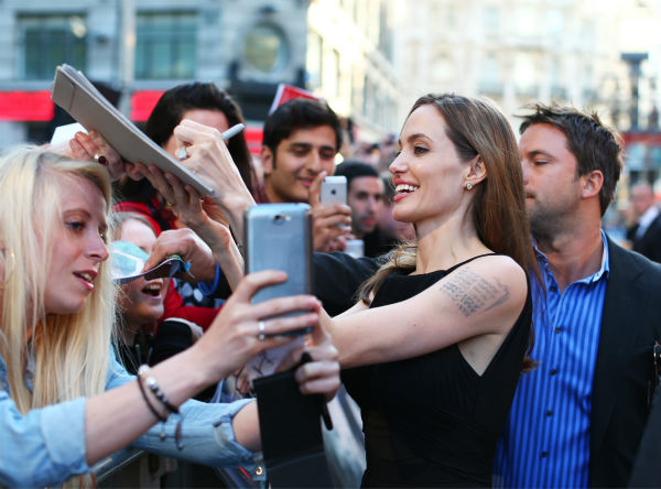 Angelina Jolie attends the world premiere of &#39;World War Z,&#39; which stars fiance Brad Pitt, at the Empire Cinema Leicester Square in London on June 2, 2013. <span class=meta>(Lucian Capellaro &#47; WireImage for Paramount)</span>