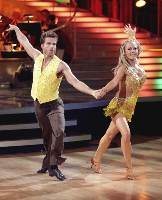 Kendra Wilkinson and Louis Van Amstel entertained the audience with an encore performance on 'Dancing With The Stars: The Results Show' on Tuesday, April 26, 2011.