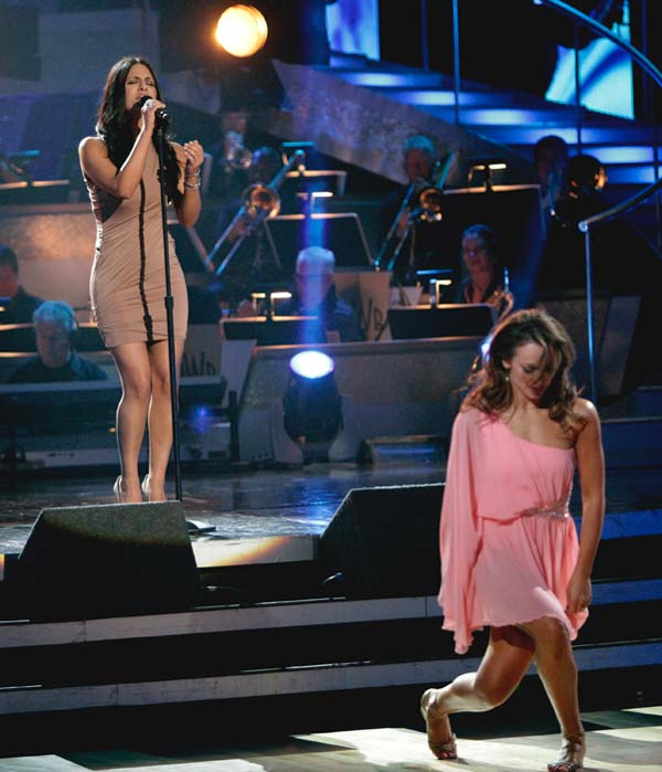 Singer and recently eliminated &#39;American Idol&#39; contestant Pia Toscano sang &#39;I&#39;ll Stand by You,&#39; accompanied by pros Mark Ballas and Karina Smirnoff.  <span class=meta>(ABC Photo&#47; Adam Taylor)</span>