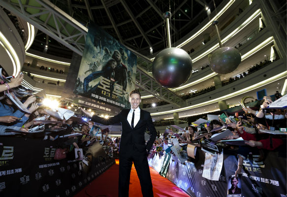 "<div class=""meta image-caption""><div class=""origin-logo origin-image ""><span></span></div><span class=""caption-text"">Tom Hiddleston appears at a 'Thor: The Dark World' fan event in Seoul, South Korea on Oct. 14, 2013. (Ho Chang / Walt Disney Studios)</span></div>"