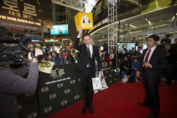 Tom Hiddleston appears at a 'Th