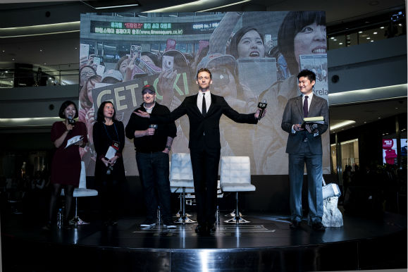 Tom Hiddleston appears on stage at a &#39;Thor: The Dark World&#39; fan event in Seoul, South Korea on Oct. 14, 2013. <span class=meta>(Ho Chang &#47; Walt Disney Studios)</span>