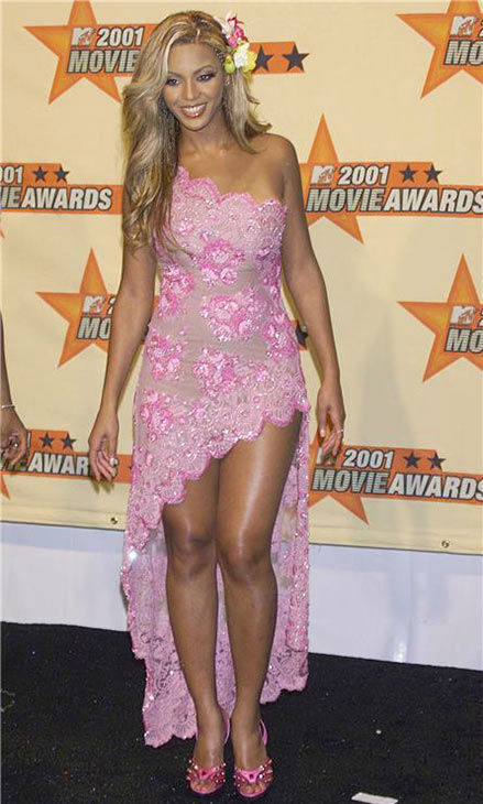 "<div class=""meta ""><span class=""caption-text "">Beyonce arrives at the 2001 MTV Movie Awards at the Shrine Auditorium in Los Angeles on June 2, 2001. (Startraksphoto.com)</span></div>"