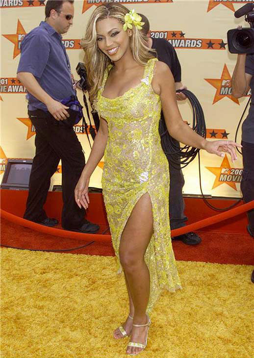 Beyonce arrives at the 2001 MTV Movie Awards at the Shrine Auditorium in Los Angeles on June 2, 2001.