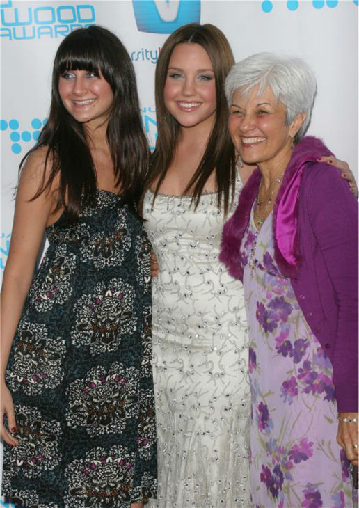 Amanda Bynes poses with her sister, Jillian, and mother, Lynn at Hollywood Life magazine's 8th Annual Young Hollywo