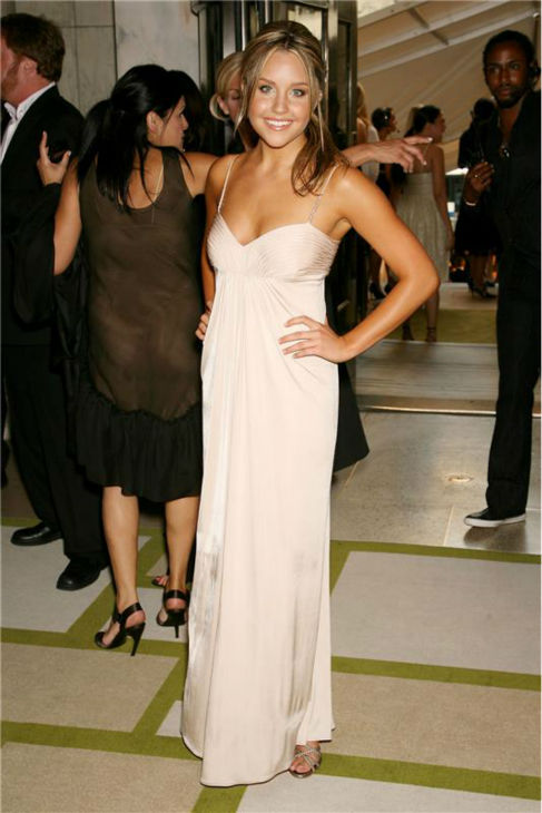 Amanda Bynes atrends the 2006 CFDA Fashion Awa