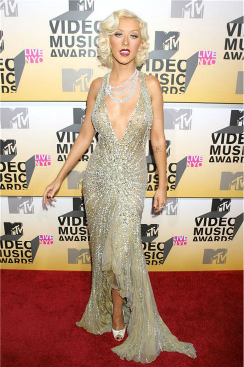 Christina Aguilera walks the red carpet at the 2006 MTV Video Music Awards at Radio City Music Hall in New York on Aug. 31, 2006. <span class=meta>(Dave Allocca &#47; Startraksphoto.com)</span>