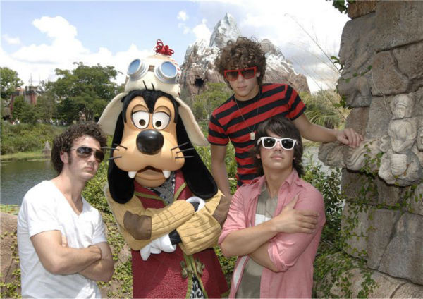 The time the Jonas Brothers hung out with Goofy near the Expedition Everest ride at Disney&#39;s Animal Kingdom theme park  at the Walt Disney World Resort in Lake Buena Vista, Florida, on Aug. 21, 2007.  &#40;Pictured from left: Kevin, Nick and Joe Jonas.&#41; <span class=meta>(Gene Duncan &#47; Startraksphoto.com)</span>