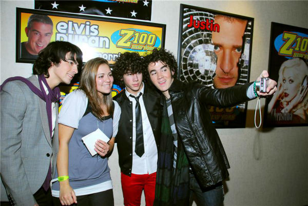 The time the Jonas Brothers made a young girl&#39;s day by taking a selfie with her non-smartphone digital camera at the Z100 radio station in Jersey City, New Jersey on Nov. 14, 2007. <span class=meta>(Clark Samuels &#47; Startraksphoto.com)</span>