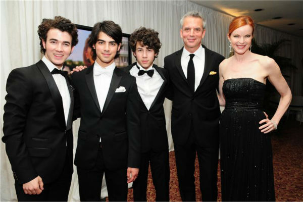 The time the Jonas Brothers hung out with &#39;Desperate Housewives&#39; star Marcia Cross at the Radio and Television Correspondents&#39; Annual Dinner in Washington, D.C. on March 28, 2008. <span class=meta>(Albert Ferreira &#47; Startraksphoto.com)</span>