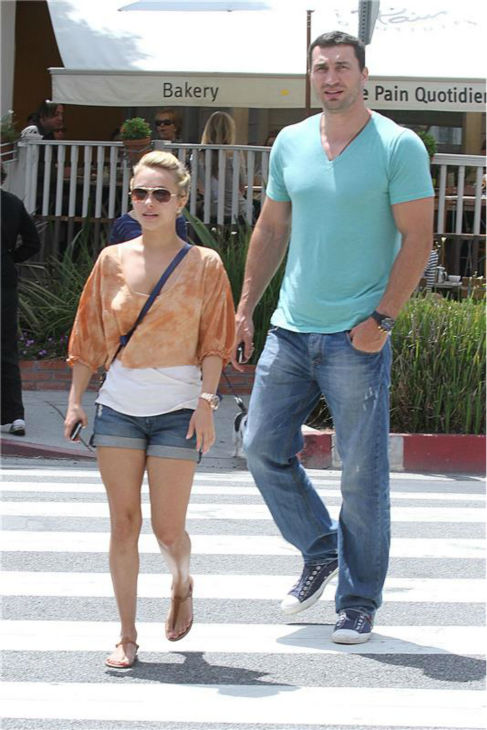 Hayden Panettiere and Wladimir Klitschko appear near a cafe in West Hollywood, near Los Angeles, on June 21, 2010. <span class=meta>(Norman Scott &#47; Startraksphoto.com)</span>