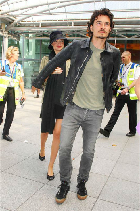 Miranda Kerr and Orlando Bloom are seen at Heathrow Airport in London on Sept. 10, 2010. <span class=meta>(Beretta &#47; Sims &#47; Startraksphoto.com)</span>