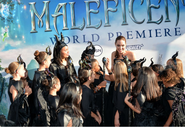 Angelina Jolie appears with fans at the premiere of Disney&#39;s &#39;Maleficent&#39; in Hollywood, California on May 28, 2014. <span class=meta>(Alberto E. Rodriguez &#47; Getty Images for Disney)</span>