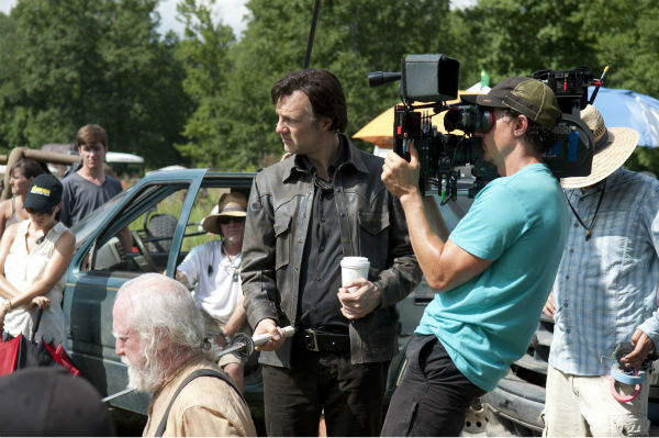 David Morrissey &#40;The Governor&#41; and Scott Wilson &#40;Hershel Greene&#41; appear on the set of AMC&#39;s &#39;The Walking Dead&#39;s season 4 midseason finale, which aired on Dec. 1, 2013. <span class=meta>(Gene Page &#47; AMC)</span>