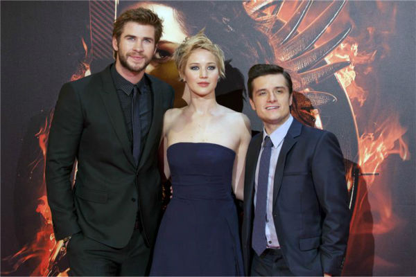 Liam Hemsworth, Jennifer Lawrence and Josh Hutcherson appear at the premiere of &#39;The Hunger Games: Catching Fire&#39; in Madrid, Spain on Nov. 13, 2013. <span class=meta>(Nacho Lopez &#47; DyD Fotografos &#47; Startraksphoto.com)</span>
