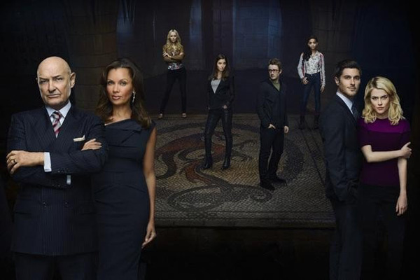 Still image of the cast from '666 Park Avenue.'