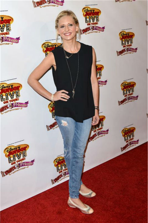Actress Sarah Michelle Gellar responded to the news of Paul Walker&#39;s death on her official Twitter account, saying, &#39;@RealPaulWalker May he be in peace. To his family you are in our thoughts and prayers.&#39;  &#40;Pictured: Sarah Michelle Gellar attends the premiere of the Disney Junior Live On Tour! Pirate and Princess Adventure event in Hollywood, California on Sept. 29, 2013.&#41; <span class=meta>(Tony DiMaio &#47; Startraksphoto.com)</span>
