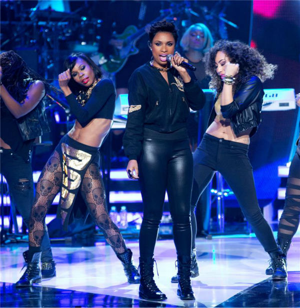 Jennifer Hudson performs at BET's 2013 Black Girls Rock event at the New Je