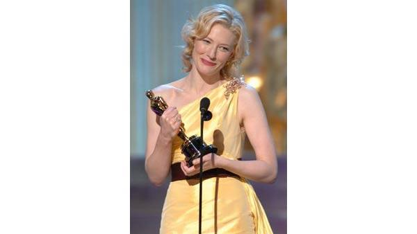 Cate Blanchett accepts the Academy Award for Best Actress during the 77th Annual Academy Awards at the Kodak Theatre in Hollywood, CA on Sunday, February 27, 2005.