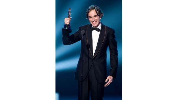 Daniel Day-Lewis accepts the Academy Award for 'Best Leading Actor' during the 80th Annual Academy Awards at the Kodak Theatre in Hollywood, CA, on Sunday, February 24, 2008.