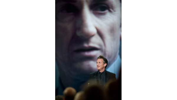 The Oscar goes to Sean Penn for his role in 'Milk' (Focus Features) for Performance by an actor in a leading role, during the 81st Annual Academy Awards from the Kodak Theatre in Hollywood, CA Sunday, February 22, 2009.
