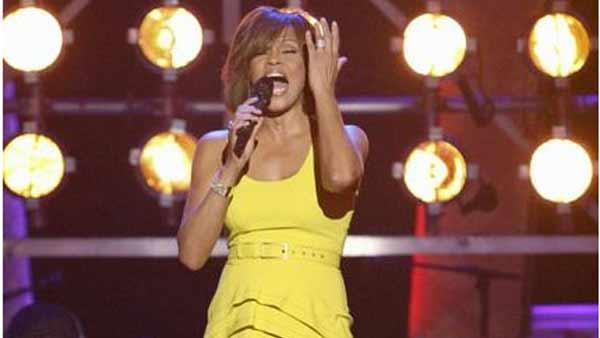 Whitney Houston performs on Dancing with the Stars: The Results Show, Tuesday, November 24, 2009. - Provided courtesy of ABC / Adam Larkey