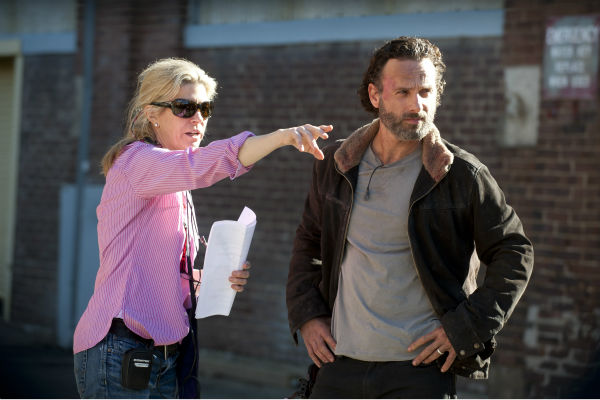 "<div class=""meta ""><span class=""caption-text "">Director Michelle MacLaren and Andrew Lincoln (Rick Grimes) appear on the set of AMC's 'The Walking Dead' season 4 finale, which aired on March 30, 2014. (Gene Page / AMC)</span></div>"