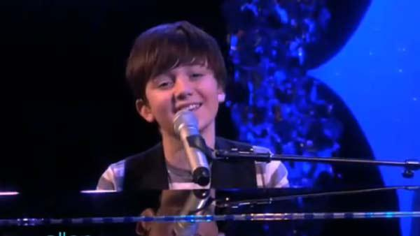 Greyson Chance performs on The  Ellen DeGeneres Show on Oct. 26, 2010. - Provided courtesy of Warner Bros.