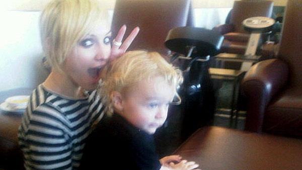 Ashlee Simpson-Wentz and son Bronx appear in this Oct. 12, 2010 photo posted on husband Pete Wentzs Twitter page. - Provided courtesy of http://twitpic.com/2x2rym