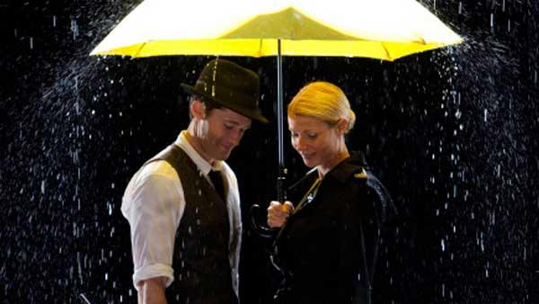 Will (Matthew Morrison, L) and Holly (guest star Gwyneth Paltrow, R) perform Singing in the Rain and Umbrella in The Substitute episode of Glee airing Tuesday, Nov. 16 - Provided courtesy of Adam Rose/FOX