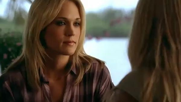 Carrie Underwood in shark attack film - trailer
