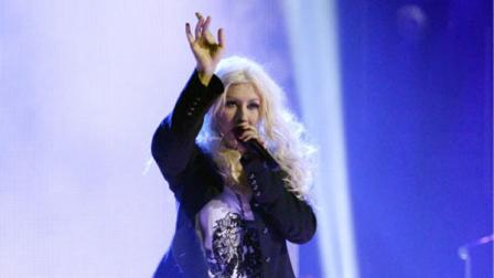 Singer and actress Christina Aguilera performed a song from her upcoming film Burlesque on the 11th season finale of Dancing With the Stars on Tuesday, November 23, 2010.