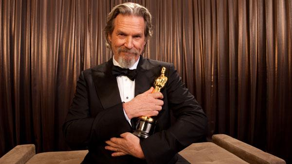 Jeff Bridges poses with his 'Best Actor' award for his role in 'Crazy Heart' at the 82nd Annual Academy Awards  on Sunday, March 7, 2010, in Los Angeles.