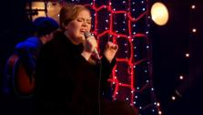 Adele performs Aretha Franklins 1967 song (You Make Me Feel Like) A Natural Woman during Adeles VH1 Unplugged, which airs on March 4, 2011 on VH1. - Provided courtesy of VH1 / Viacom